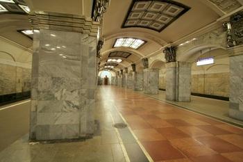 ST_Petersburg_Metro_Kirovsky_Zvod.jpg